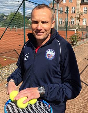Akademitræner Nils Trier