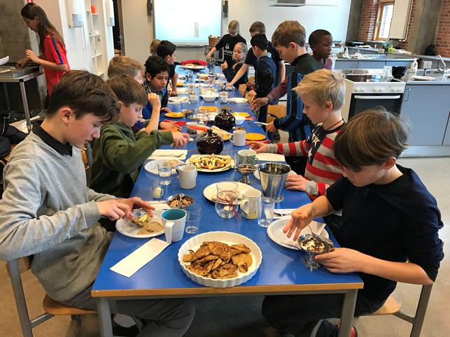 I madkundskab spiste eleverne morgenmad sammen